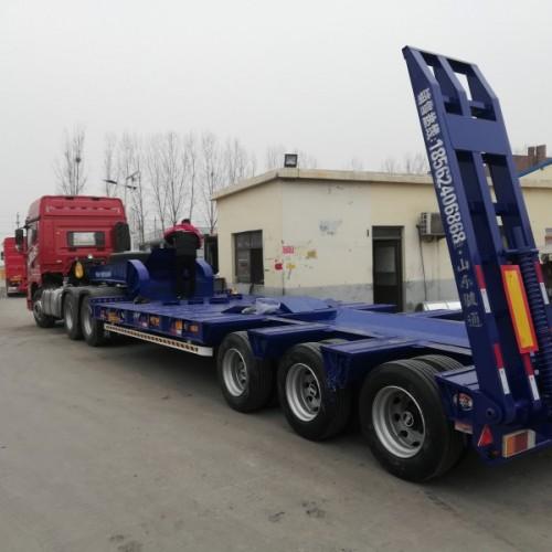 13米轻型低平板半挂车挖掘机运输专用半挂车钩机板运输平板半挂
