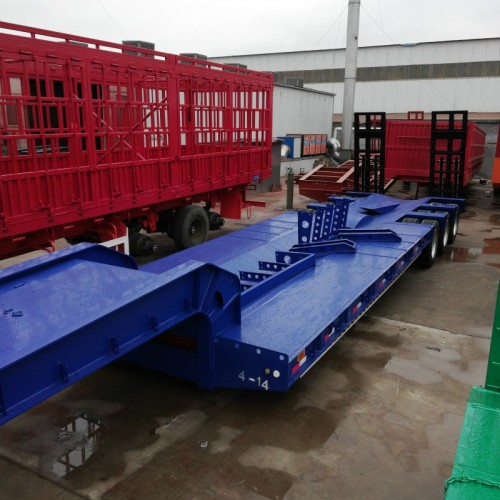 低平板半挂车厂家价格13米低平板半挂车出口价格