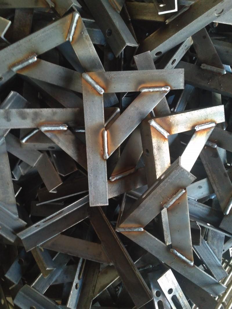 旋转多工位自动焊机 管道支架三条焊缝同时焊接