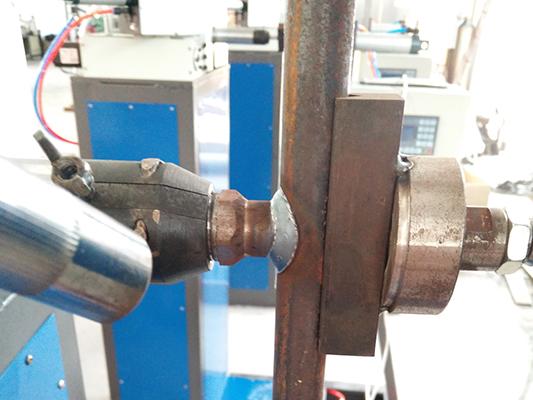 焊接效果图-液压油缸油口焊接