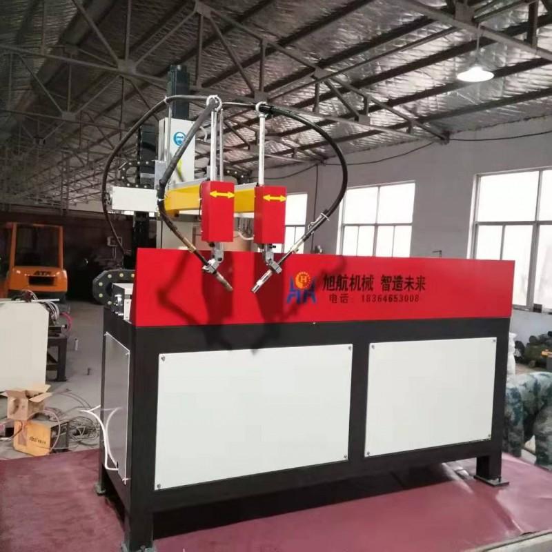 四枪龙门自动焊工作中 自动焊接设备
