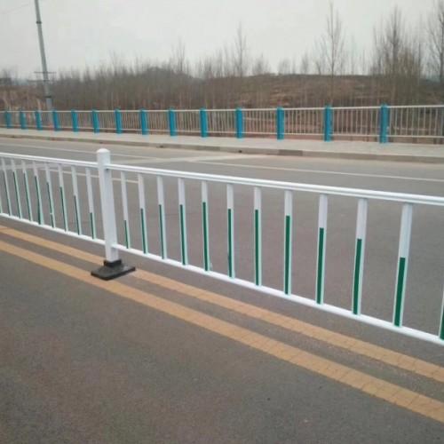 锌钢铁艺市政道路护栏隔离交通护栏价格 人行道路护栏
