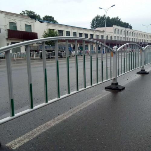 现货供应中间隔离带道路护栏_定制厂家城市交通隔离栏_
