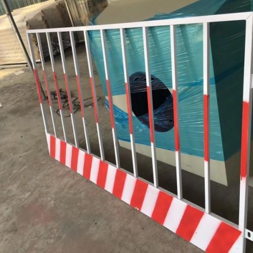 镀锌管喷塑安全防护基坑围栏厂家产 工地临边基坑护栏