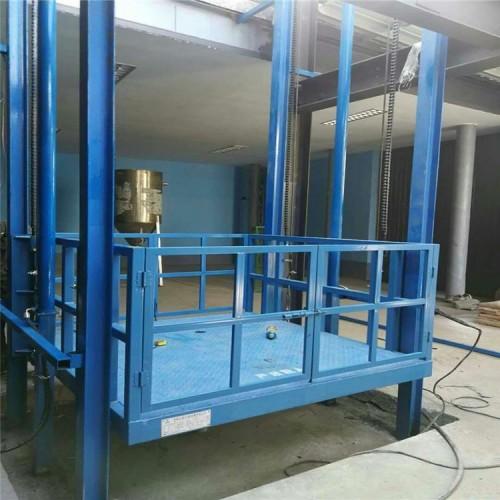 可定制液压升降货梯 导轨式升降机的厂家-济南天锐