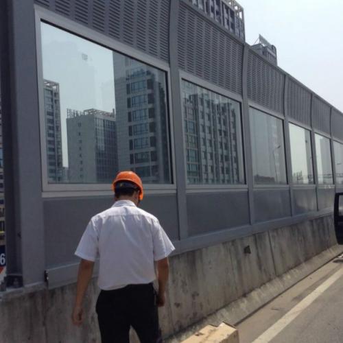 公路声屏障厂家 高速铁路隔音墙 百叶微孔彩钢板