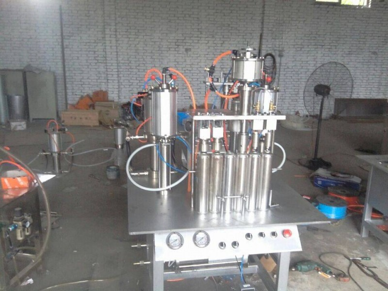 转让闲置二手大豆油灌装机  二手食用油灌装机