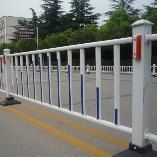 交通道路市政护栏人行横道隔离栏施工锌钢防撞护栏
