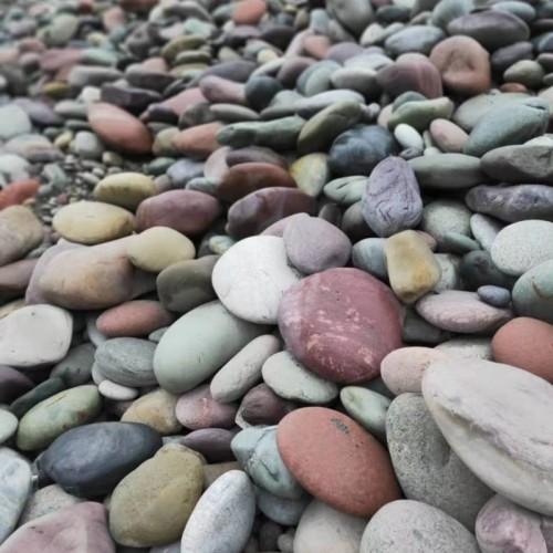 彩色鹅卵石多少钱一吨彩色鹅卵石产地
