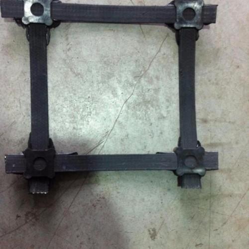 锁扣式凸结点钢塑土工格栅  泰安路德 厂家直供