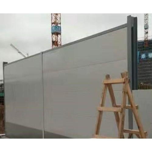 这样的钢板围墙更合适在高速路旁使用