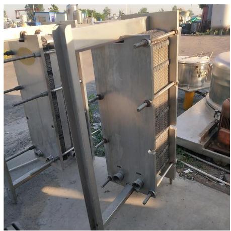 转让二手冷凝器二手不锈钢换热器二手螺旋板换热器二手化工设备