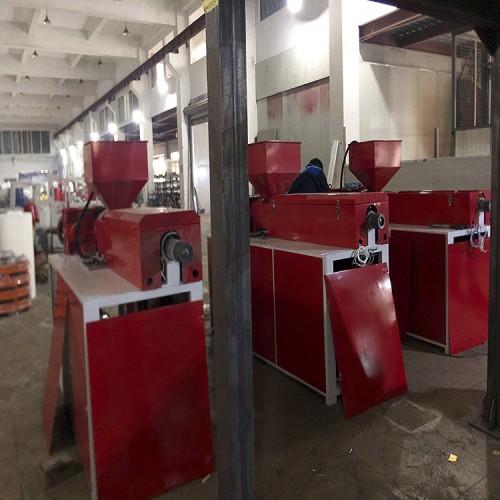 瑞安挤出机厂家专业供应熔喷布挤出机 造粒塑料挤出机单螺杆