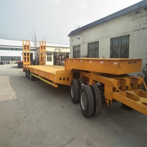 低平板拖车