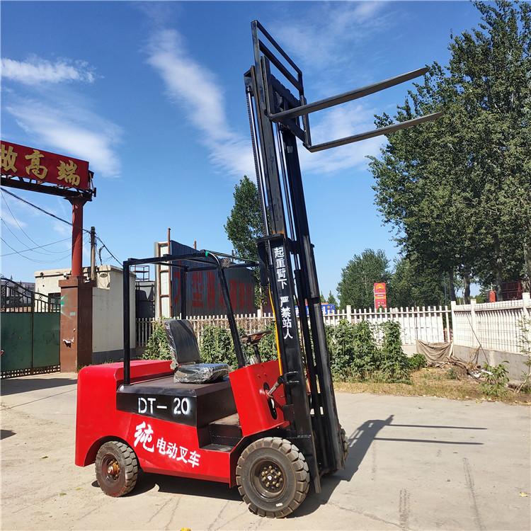 邢台超鹏座驾式四轮电动叉车小型电动叉车1吨1.5吨2吨厂家