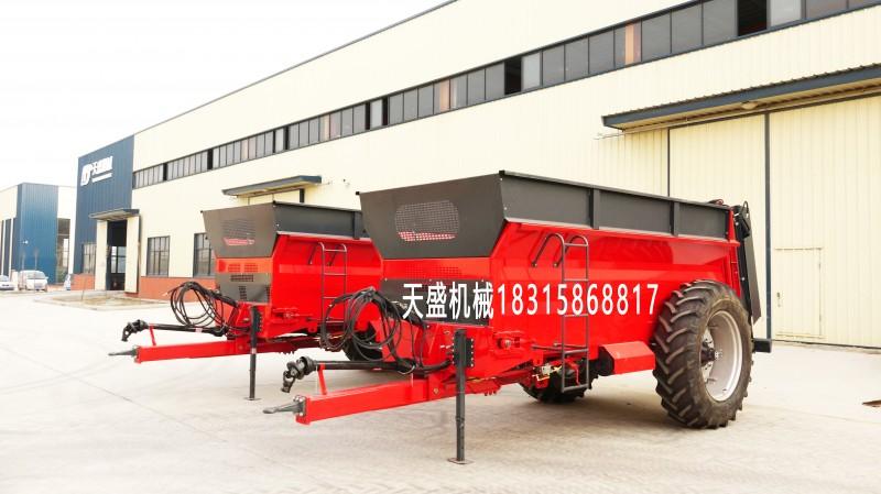 天盛机械生产供应双竖蛟龙抛粪车,有机肥撒车,牛羊粪撒粪机