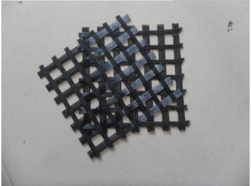 厂家生产 耐腐蚀抗老化软土路基 经编涤纶土工格栅 选山东环润