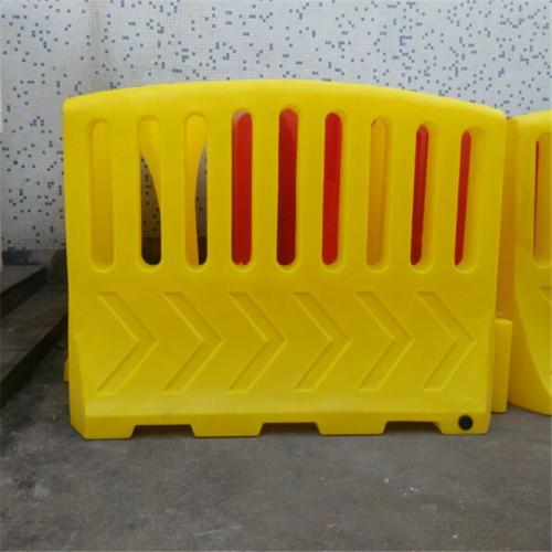滚塑大围栏水马生产厂家 扇形水马围档尺寸 水马围挡价格