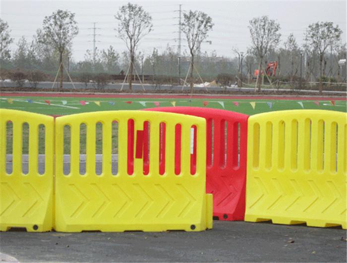 出入口防撞栏围档 安保防护栏 防疫安检隔离栏厂家直销
