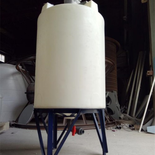 化工搅拌桶的选型 PE化工搅拌罐特点 液体搅拌机设备