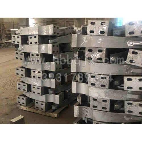 广东铸钢立柱加工河北泊泉机械制造-制造-供应公路防撞护栏支架