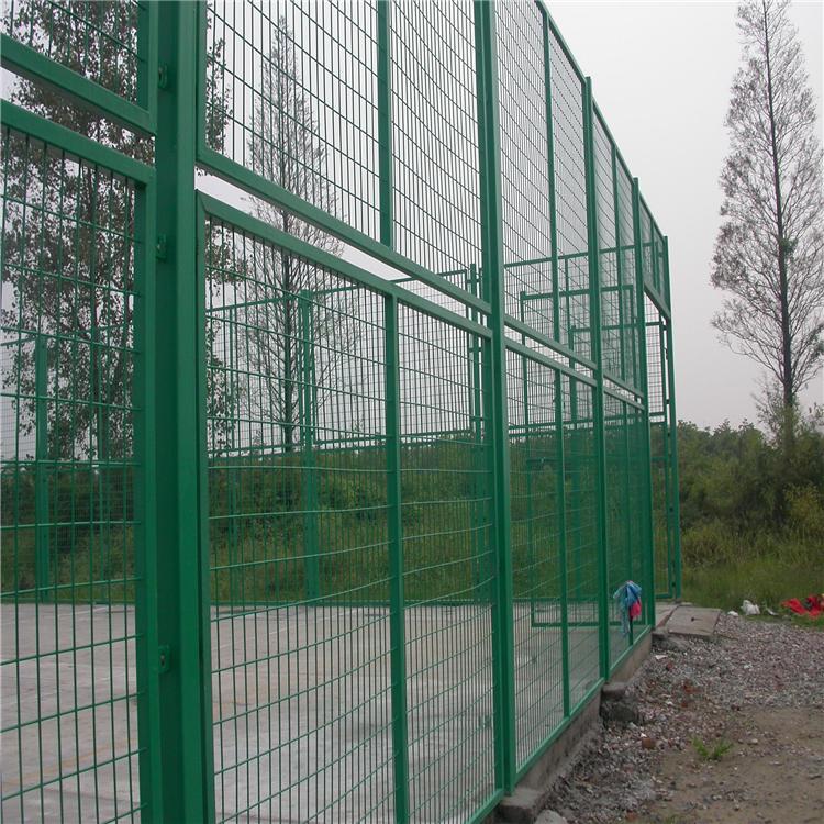 河北格华优质供应商-球场围网-体育场围栏包塑处理