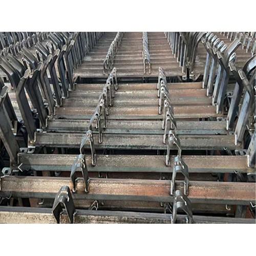 江苏托辊支架价格「众兴煤机配件」冲压支架源头直供