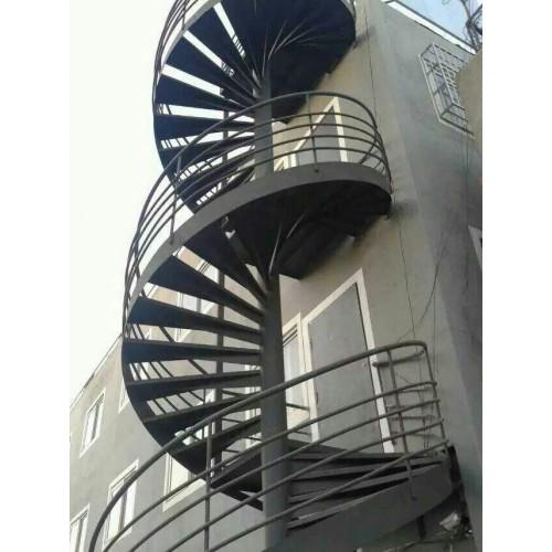 西城彩钢钢构安装施工/福鑫腾达彩钢厂家定制钢结构楼梯
