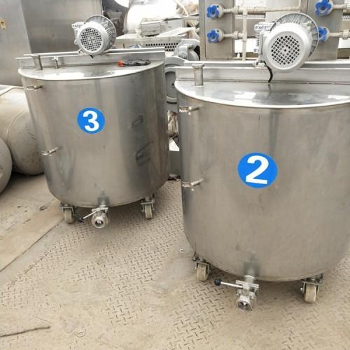 大量出售5吨鲜奶搅拌罐