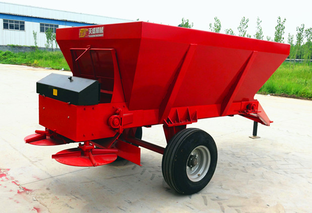 农用湿粘粪撒肥机  牵引式厩肥撒粪车   制造厂家直销