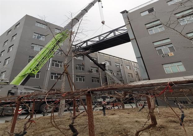 大兴彩钢钢构设计厂家_福鑫腾达彩钢钢构工程承包钢结构连廊
