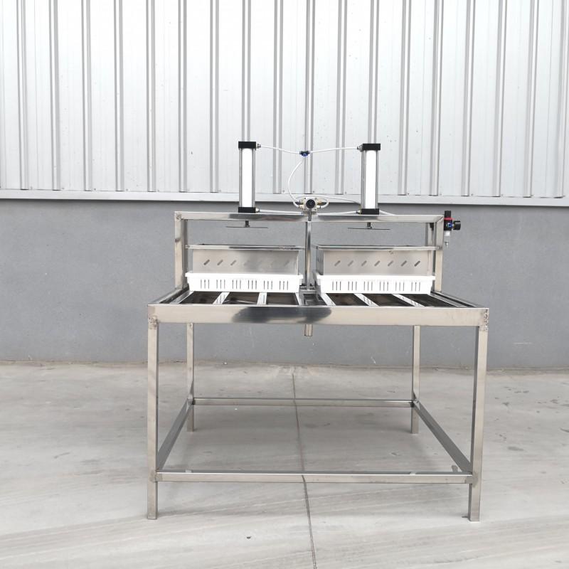 两盒豆腐压制机  配合使用的  特点气动豆腐机价格