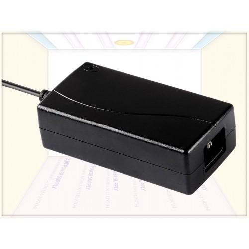 供应通过多国认证12V6A电源适配器