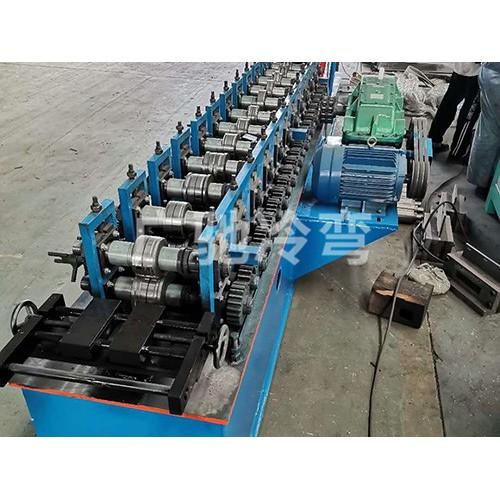 江西大棚卡膜槽机加工-东光广驰农业加工定做大棚压膜槽设备