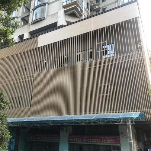 深圳餐厅仿木纹外墙铝格栅厂家 型材铝扁管