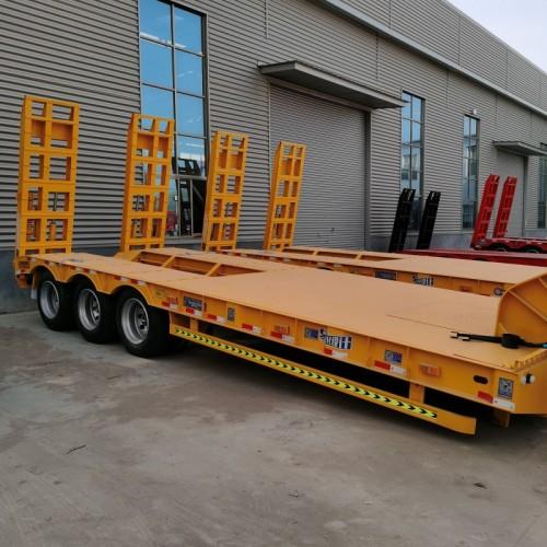 13.75钩机板半挂车价格 钩机板定做 挖掘机拖车